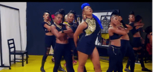 Yemi Alade ft. Mugeez (R2Bees) – Pose  (Official Music Video)