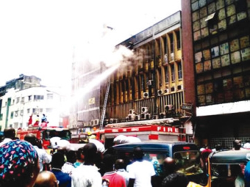 Fire-guts-shopping-mall-bank-in-Lagos1