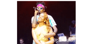 August Alsina Squeezes a Fan's Boobs Live on Stage, While She Enjoys it (Photos + Video)