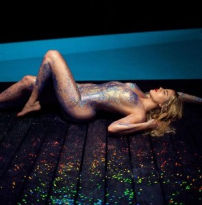 Khloe Kardashian releases sexy nude photos with sprinkles