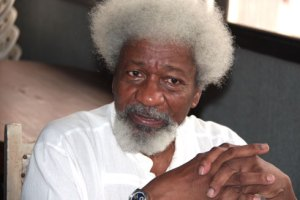 """I will tear my green card if Donald Trump wins"" – Wole Soyinka"