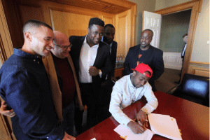 Davido signs record deal with Sony Music Global (Photo)