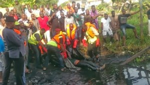 Woman reportedly jumps off bridge into canal in Lagos