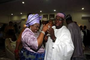, Obasanjo and Patience Jonathan dancing and enjoying each other (Photos), Effiezy - Top Nigerian News & Entertainment Website