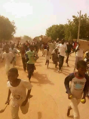 Kano youths burn lawmakers properties3