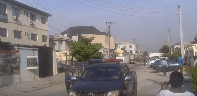 man climbs pole in lekki ikate round in apparent suicide1