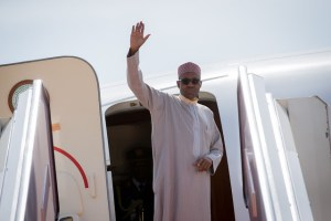 , President Buhari departs for London over ear infection treatment (Photos), Effiezy - Top Nigerian News & Entertainment Website