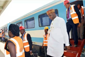 N6,000 for 1st class seat on new Lagos-Ibadan rail, says Amaechi
