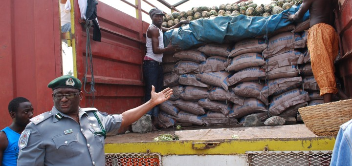 , How Customs officers killed trader during negotiation over contraband goods in Lagos, Effiezy - Top Nigerian News & Entertainment Website