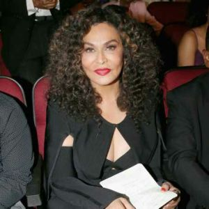 """Beyonce's mom, Tina Knowles apologises for """"liking"""" a comment that bashed Jennifer Hudson"""