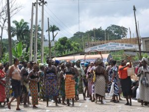 Women protest naked over alleged killing of youth in Kafanchan by soldiers