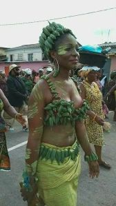 Lady steps out in Okro custom made outfit