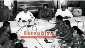 , Throwback photo of President Buhari in a meeting with Shehu Shagari, Effiezy - Top Nigerian News & Entertainment Website
