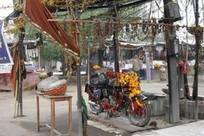 Unbelievable: See the old motorcycle that is being worshiped as a deity in India (Video)
