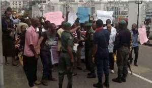 Deaf And Dumb People protest in Imo, say they're treated badly,demand car [pics]