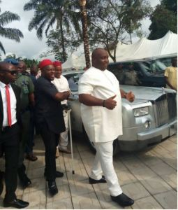Oil Mogul, Ifeanyi Ubah spotted with his Rolls Royce at a wedding event (Photos)