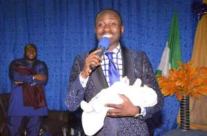 """Apostle Suleman """"Revives Dead Baby"""" in Cameroon (Photos)"""