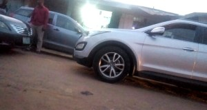, Toyota Camry & Venza owners spent up to 30minutes arguing over a narrow road in Lagos ( Video), Effiezy - Top Nigerian News & Entertainment Website