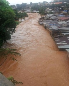 Mudslide buries over 300 in Sierra Leone