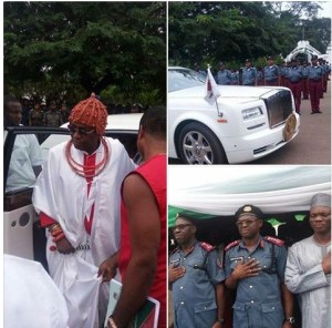 Oba of Benin and his luxury Rolls Royce spotted at an event in Edo State. Photos