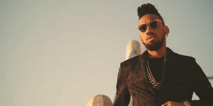 Lady who rejected Phyno on 2go then, now begs him (Video)