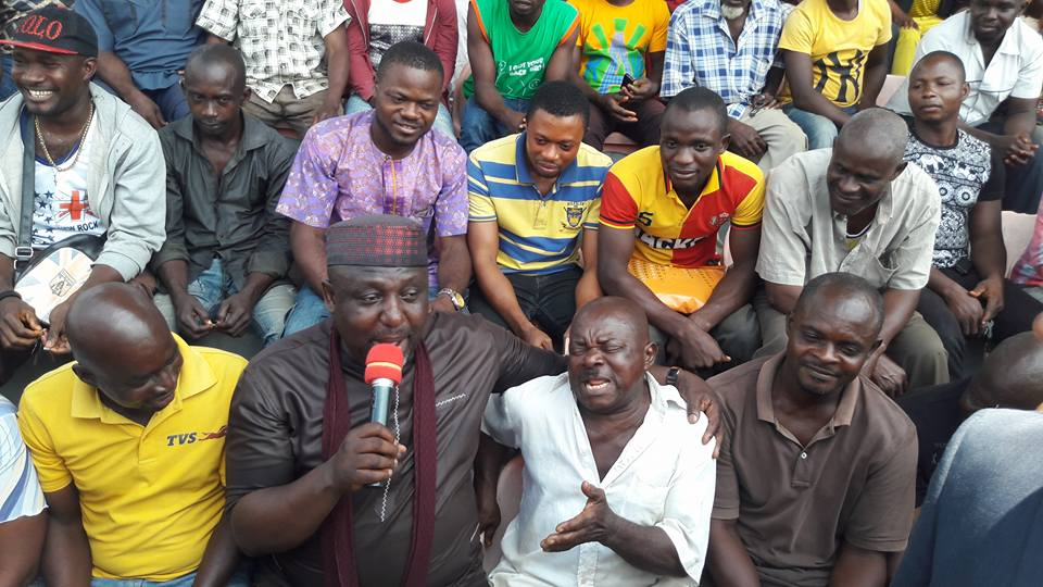 , Rochas Okorocha sings with keke napep riders in Imo State. (Photos), Effiezy - Top Nigerian News & Entertainment Website