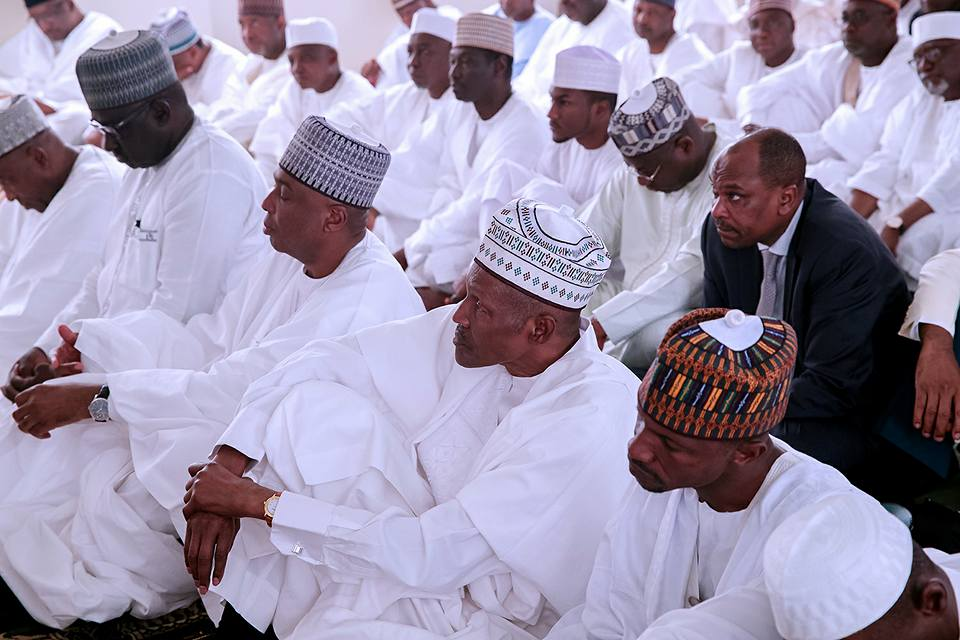 , Independence day: Buhari attends Special Jumaat service in Aso-rock (Photos), Effiezy - Top Nigerian News & Entertainment Website