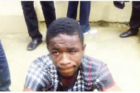 Man fights armed robber for stealing girlfriend's phone, collects gun
