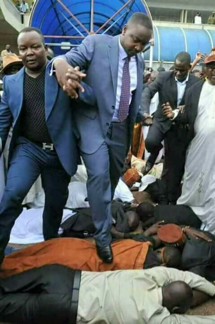 , Uganda Pastor Uses His Church Members As Foot Mart,as Directed By God(photo), Effiezy - Top Nigerian News & Entertainment Website