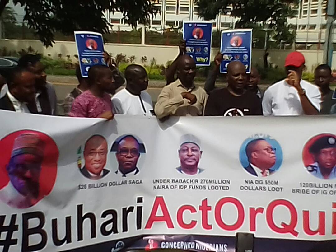 , BREAKING: Charlyboy group resumes anti-Buhari protest, Effiezy - Top Nigerian News & Entertainment Website
