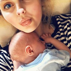 Unbelievable: This Woman Didn't Know She Was Pregnant Until 4 Hours Before Giving Birth (Photos)