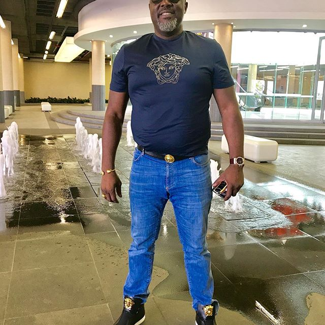", ""Are You A Bouncer Or Senator' – Dino Melaye asked as he shares new photo, Effiezy - Top Nigerian News & Entertainment Website"