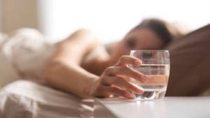 7 Signs That Shows You Don't Drink Enough Water