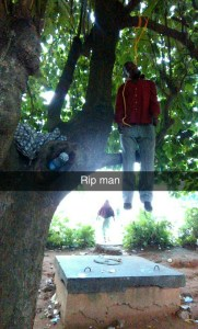 Man Hangs Himself On A Tree At Lagos Airport Road (Graphic Photos)