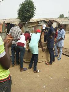 """, Man throws baby inside a well in Jalingo as a """"charm"""" to win election (Photos), Effiezy - Top Nigerian News & Entertainment Website"""