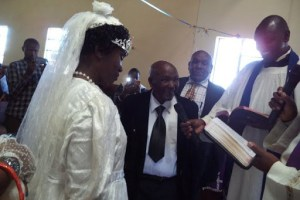 95-Year-Old Man Finally Gives His 70-Year-Old Wife Dream Wedding And Honeymoon He Promised Her 40 Years Ago (Photo)