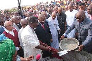 Pastor Adeboye Lays Foundation Of Akwa Ibom International Worship Centre (Photos)