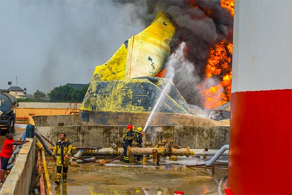 , More Photos Of Stallionaire's Tank-farm That Caught Fire Yesterday in Lagos (Photos), Effiezy - Top Nigerian News & Entertainment Website
