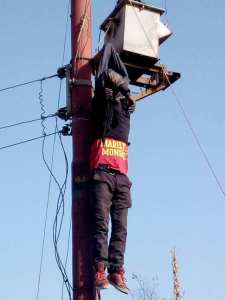 , Man electrocuted while trying to steal from electric pole in Jos (Graphic Photos), Effiezy - Top Nigerian News & Entertainment Website