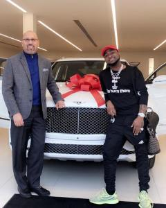 Davido shows off his newly acquired 2017 Bentley and diamond watch (Photos)
