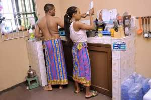 Nigerian Couple Show Why Husbands Should Help Their Wives At Home. (Photos)