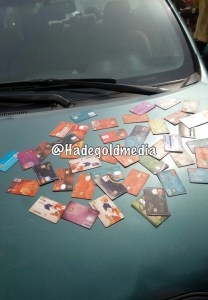 Thief Caught With Over 60 ATM Cards In Ibadan (Video, Photos)