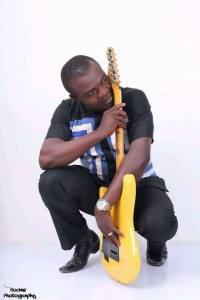 Igbo artist dies while performing on stage (Photos)