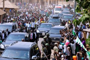 PHOTONEWS: See the massive crowd that welcomed Buhari in Nasarawa State (Photos)