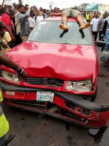 Protest As Trigger-happy Policeman Shoots Cab Driver Dead In Port Harcourt (Photo)