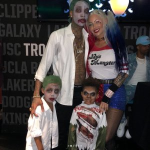 Amber Rose and Wiz Khalifa celebrates son's 5th birthday together in a Halloween themed party (Photos)