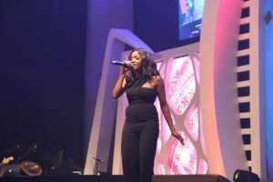 ", ""Is Simi Pregnant""? Check out her bump at Aiteo's Awards. (Photos), Effiezy - Top Nigerian News & Entertainment Website"