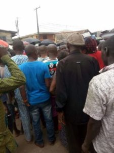 How I saved a girl from jungle justice in Onitsha – Man narrates terrifying story (Photo)
