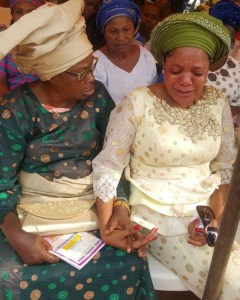 Actress, Toyin Abraham in tears at her father's burial (Photos)