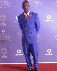 See The Over Size Suit 'One Corner' Crooner, Patapaa Wore To Ghana Music Awards (Photos)